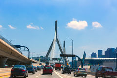 Boston Zakim bro i bunkerkullen Massachusetts royaltyfri bild