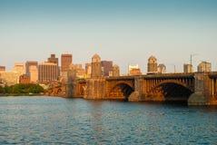 Bostons Longfellow Brücke Stockbilder