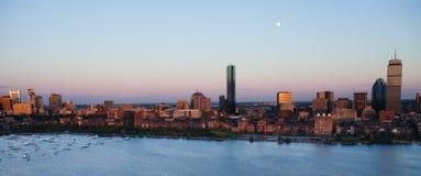Bostons rückseitiger Schacht und Cambridge, MA stockbild