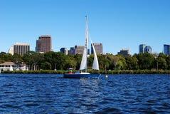 bostonu Charles ma rzeki żaglówka Zdjęcie Royalty Free