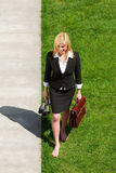 bosy bizneswomanu odprowadzenie obrazy royalty free