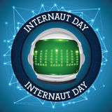 Botão com astronauta Helmet e conexões para comemorar o dia do Internaut, ilustração do vetor Foto de Stock