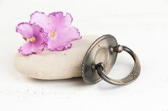 Botão da tração da gaveta do metal do vintage imagem de stock royalty free