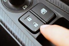 Botão de fechamento do carro fotos de stock royalty free