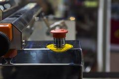 Botão de parada da emergência; Interruptor do impulso da segurança; interrompido; Para a segurança fotografia de stock royalty free