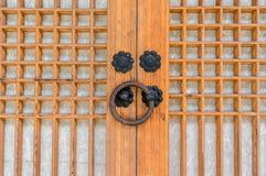Botão de porta do templo fotografia de stock royalty free