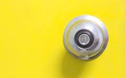 Botão de porta no fundo da porta Imagens de Stock