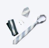 Botão de punho, laço e grampo de laço, lenço e caixa isolados no wh Fotografia de Stock
