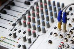 Botão do equipamento audio Fotografia de Stock