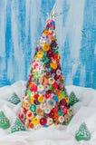 Botão feito a mão e Pin Christmas Tree foto de stock