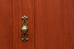 Botão riscado do armário para a porta de armário foto de stock royalty free