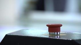 Botão vermelho de uma parada filme