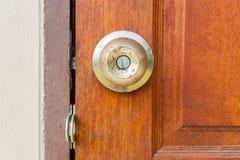 Botón de puerta viejo Imagen de archivo libre de regalías