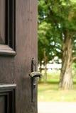 Botón de puerta viejo Fotos de archivo libres de regalías