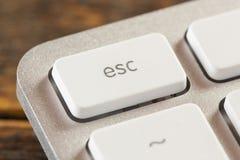 Botón del escape en un blanco y Grey Computer Keyboard Foto de archivo libre de regalías