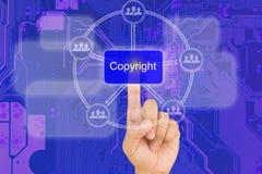 Botón derecho de la copia del presionado a mano en interfaz con bord azul del PWB Imágenes de archivo libres de regalías