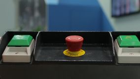 Botón rojo industrial almacen de video