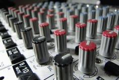 Botões do misturador do estúdio Fotografia de Stock Royalty Free