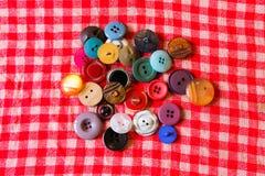 Botões em cores diferentes Fotografia de Stock Royalty Free