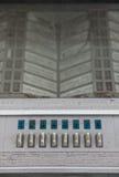 Botões, números e listas de músicas no painel de controle do jukebox velho Fotos de Stock