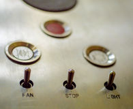 Botões velhos do painel de controle do elevador no estilo retro análogo Imagens de Stock