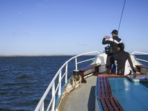 Bota op de Toerist, turista no barco imagem de stock