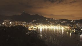 botafogo和corcovado夜视图从sugarloaf山在里约 股票视频