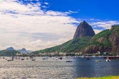 Botafogo et montagne Sugar Loaf et Urca en Rio de Janeiro Images libres de droits