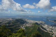 Botafogo strand, Rio de Janeiro, himmel, moln, bergiga landforms, berg arkivfoton