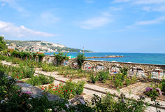 Botanische tuin bij de kust stock afbeelding
