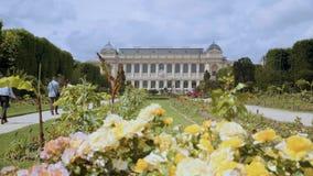 Botanisk trädgård i Paris Yttersidan av den stora evolutionen Galery lager videofilmer