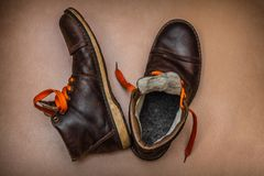 Botas calientes del viejo invierno fotografía de archivo libre de regalías