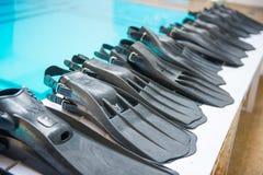 Botas y accesorios de las aletas para el buceo con escafandra Imágenes de archivo libres de regalías