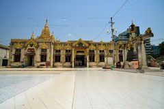 Botataungpagode in Yangon Stock Afbeelding