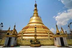 Botataungpagode in Yangon royalty-vrije stock foto