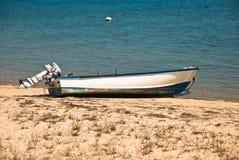 Barco encalhado imagem de stock
