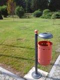 Bote de basura de acero Fotografía de archivo