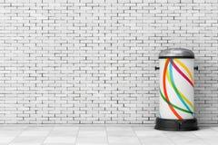 Bote de basura del metal blanco con el pedal representación 3d Imagen de archivo