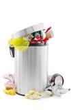Bote de basura lleno Imagen de archivo libre de regalías