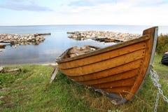 Bote de remos de madera Fotografía de archivo