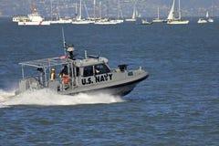 Bote patrulla armado de la velocidad de la marina de los E.E.U.U. Imagen de archivo libre de regalías