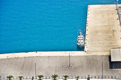 Bote patrulla en el puerto Fotos de archivo libres de regalías