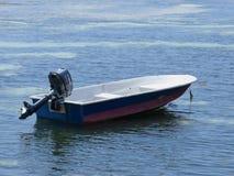 Bote pequeño en el mar Fotografía de archivo libre de regalías