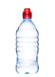Botella aún de agua mineral sana en blanco Foto de archivo libre de regalías