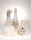 Botella, adornada como una novia y novio. Fotos de archivo libres de regalías