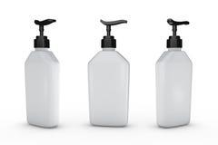Botella blanca con la bomba del dispensador, trayectoria de recortes incluida Foto de archivo libre de regalías