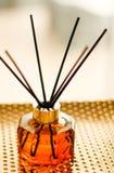 Botella casera de la fragancia, decoraci?n de lujo europea de la casa y detalles del dise?o interior foto de archivo
