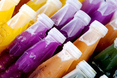 Botella con el jugo fresco Foto de archivo libre de regalías