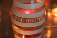 Botella con un mensaje y un x22; Emotion& x22; Imagen de archivo