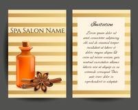 Botella cosmética del aceite con canela y la vela Tienda cosmética de la plantilla, salón del balneario, paquete de los productos Imagen de archivo libre de regalías